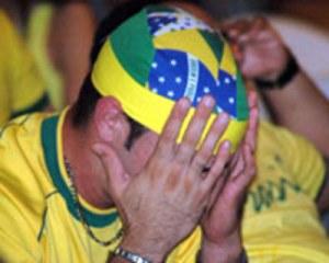 torcedor chorando